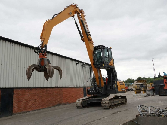 CASE CX290D Scrap Loader